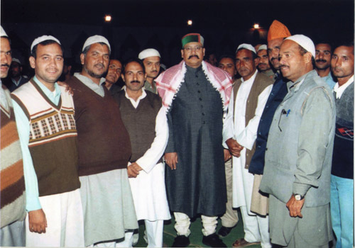 A group of Muslims welcoming Satpal Ji Maharaj during his Padyatra from Dandi to Mahatma Gandhi's Ashram at Ahmedabad.