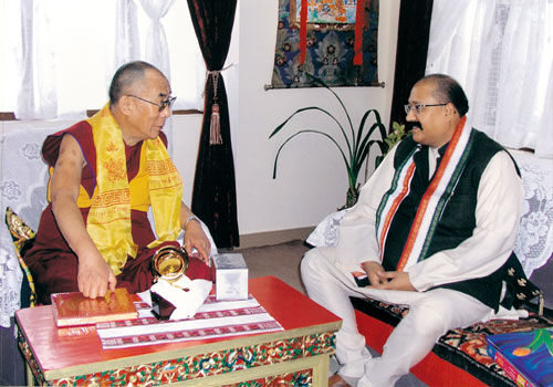 Shri Maharaj Ji with His Holiness Dalai Lama.